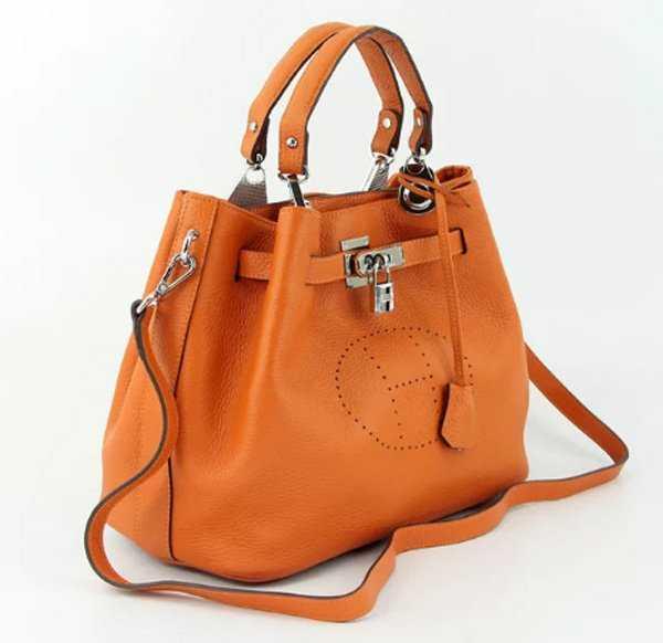 d2f2d89be715 Бренд представил миру свою коллекцию сумок много лет назад, но ни  по-прежнему остаются актуальны в мире моды. Сумки от Hermes – это мечта  каждой женщины.
