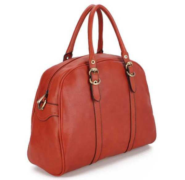 c45a8cfb78a5 Французский бренд создает красивые модные и недорогие аксессуары. Клатчи,  рюкзаки, дорожные сумки, классические с короткими ручками или через плечо –  все ...
