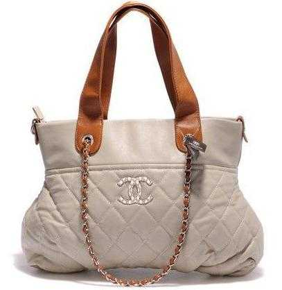 9cb025272bdd Действительно, известные бренды сумок нередко становятся легендарными  именно по этой причине. Но всё-таки этого недостаточно.
