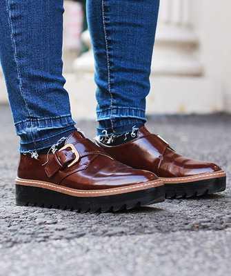 d5cb10951 Daniel Hechter так же входит в список брендов немецкой обуви, работающих в  премиальном сегменте. Марке удалось объединить в своих коллекциях  знаменитое ...